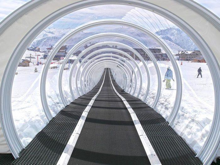 Cover on the belt conveyor Les Grenouilles – L'Alpe d'Huez