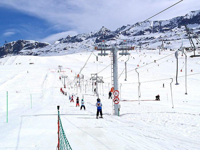 Ecole ski lift - L'Alpe d'Huez (France)